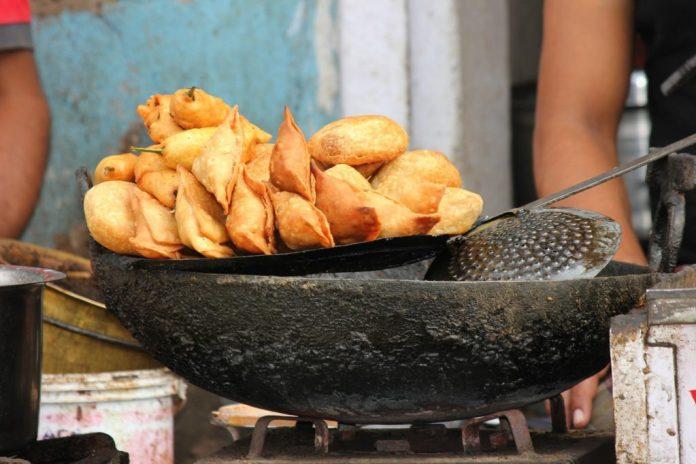 New culinary trend of Pakistan: samosa