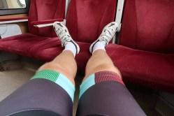 Vo vlaku už len vystrieť ubolené nohy