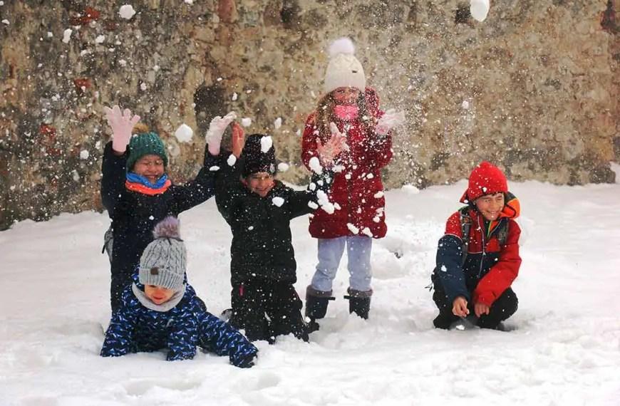 Zimný rodinný výlet na Plavecký hrad