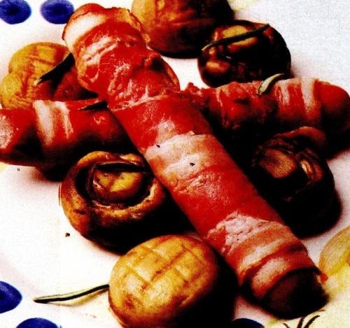 Crenvurst cu şuncă şi ciuperci