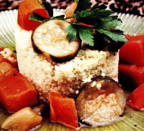 Cuscus cu vinete si morcovi
