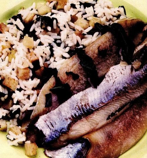 Hering cu orez şi spanac