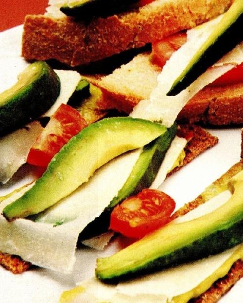Sandvişuri cu avocado