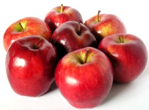 Tartă cu mălai, mere şi stafide