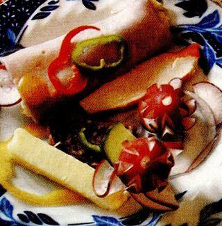 Rulouri umplute cu salata boeuf