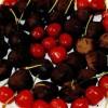 Cireşe învelite în ciocolată