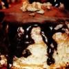 Prăjitură cu cremă de nucă si glazură de cacao