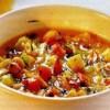 Supă orientală de legume si alune tocate