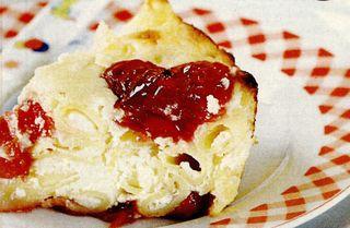 Budincă din paste de porumb cu brânză si vişine