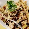 Salată de quinoa cu fructe uscate