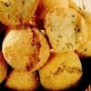 Bulete de Emmentaler şi cartofi în crustă de mălai