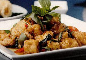Piept de pui cu sos de soia şi legume