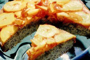 Prăjitura cu mac şi piersici