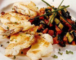 Peşte cu garnitură de legume