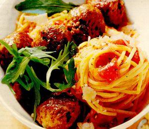 Chiftelute cu ruccola si spaghete