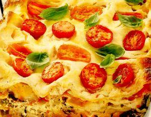 Lasagna de legume cu spanac şi roşii