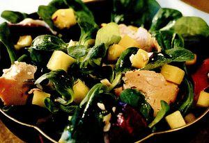 Salata cu foie gras de rata si mango