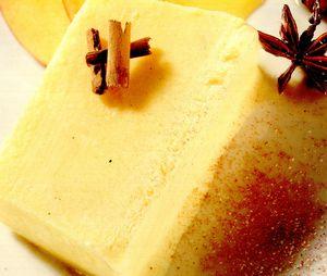 Semifreddo cu iaurt şi mango