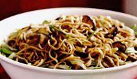 Retete delicioase: Tăiţei de orez cu ciuperci shiitake