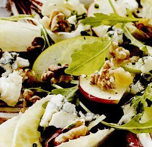 Salata de andive cu nuca si branza Roquefort