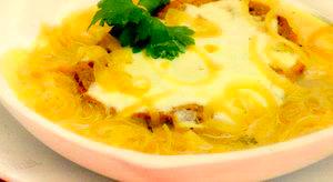 Supa de ceapa cu parmezan