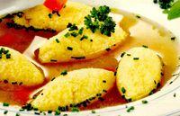 Supă de pui cu găluşte de griş