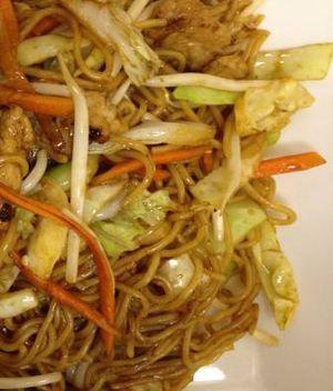 Tăieţei Yakisoba cu legume
