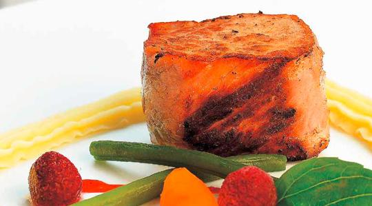 Cotlet de porc cu sos de zmeura