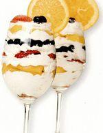 Desert cu fructe marinate în alcool