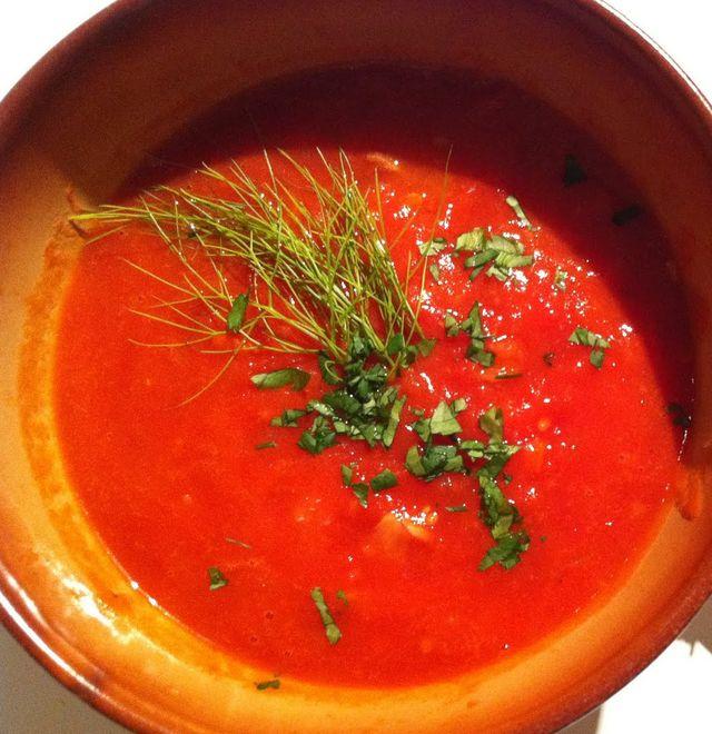 Retete de post: Supa de rosii cu fenicul