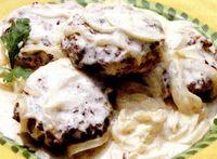 Chifteluţe de vită cu ceapă şi smântână (Bitoci)