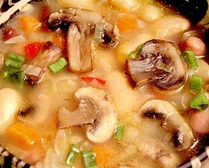 Ciorba de fasole cu ciuperci