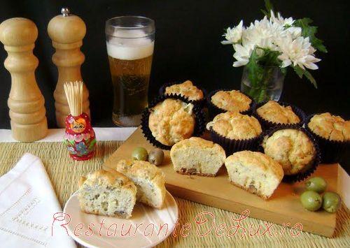 Reteta zilei: Muffins Roquefort