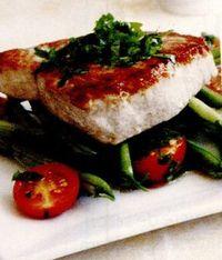 Peşte la grătar cu tocăniă de fasole verde