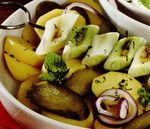 Salată de cartofi şi ceapă