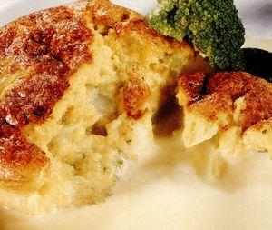 Tartă de broccoli cu fondue de brânză Brie