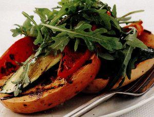 Chifle cu legume la grătar