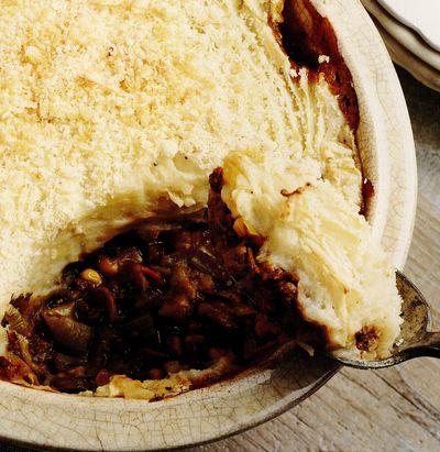 Placinta taraneasca cu carne de caprioara