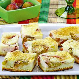 Prăjitură cu brânză şi prune