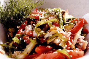 Salata cu creveti si fructe de mare