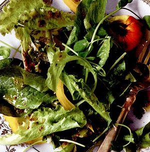Salată de verdeţuri