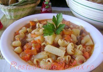 Reteta zilei: Supa cu carne si dovleac