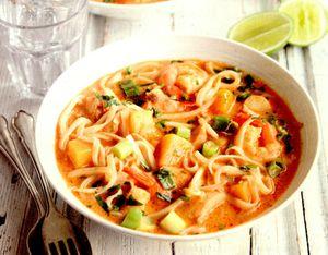 Supa de taitei cu somon, dovleac si creveti