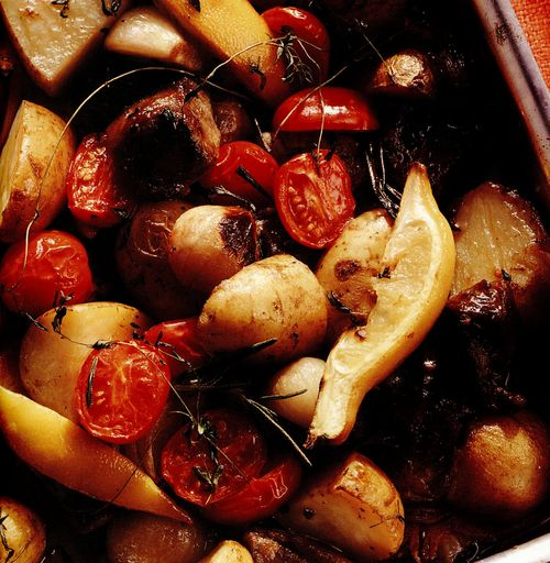Miel cu cartofi la cuptor în stil mediteraneean