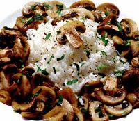 Orez cu ciuperci si ceapa
