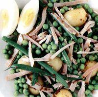 Salata de fasole verde cu oua si sunca