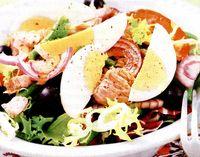 Salată de ton cu ceapa rosie si masline