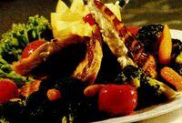 Somon cu broccoli şi roşii cherry