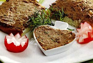 Pasta de carne cu cimbru si unt