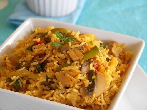 Retete de post: Pilaf de orez cu ciuperci şi ceapă verde